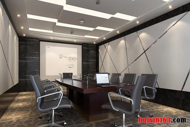 办公室座位不能直冲着大门,常理上说大门是房间内空气流通的渠道,如果堵在门口的话,可能会造成室内空气不流通,让室内遭受比较大的污染。从风水上说,作为正对着大门,气场会被冲到,会影响一个人的潜意识和神经系统,造成脾气火爆或无故生病的问题。可以在门口立一个屏风或植物。