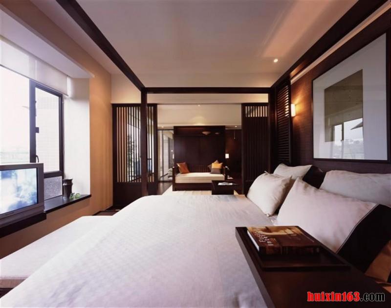 卧室内的飘窗设计格局